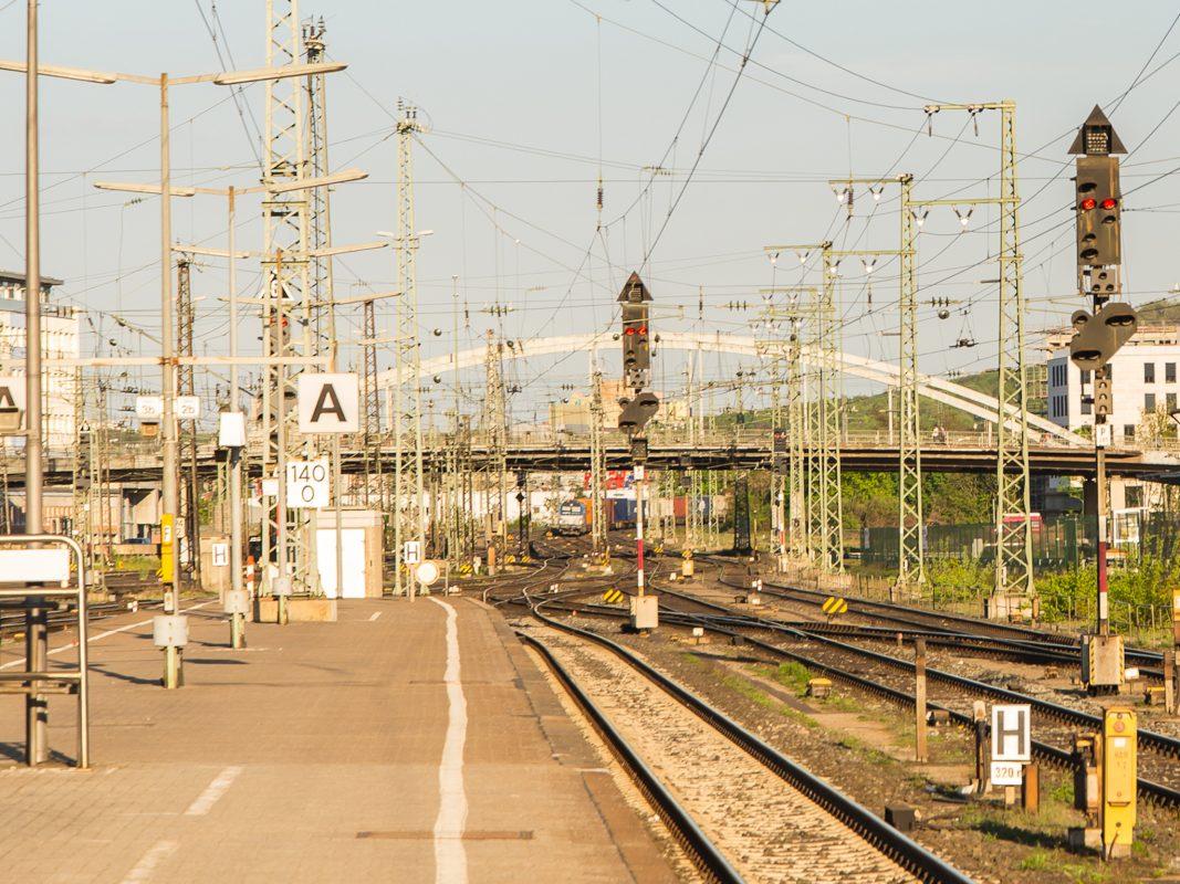 Gleisanlagen am Würzburger Bahnhof. Foto: Pascal Höfig