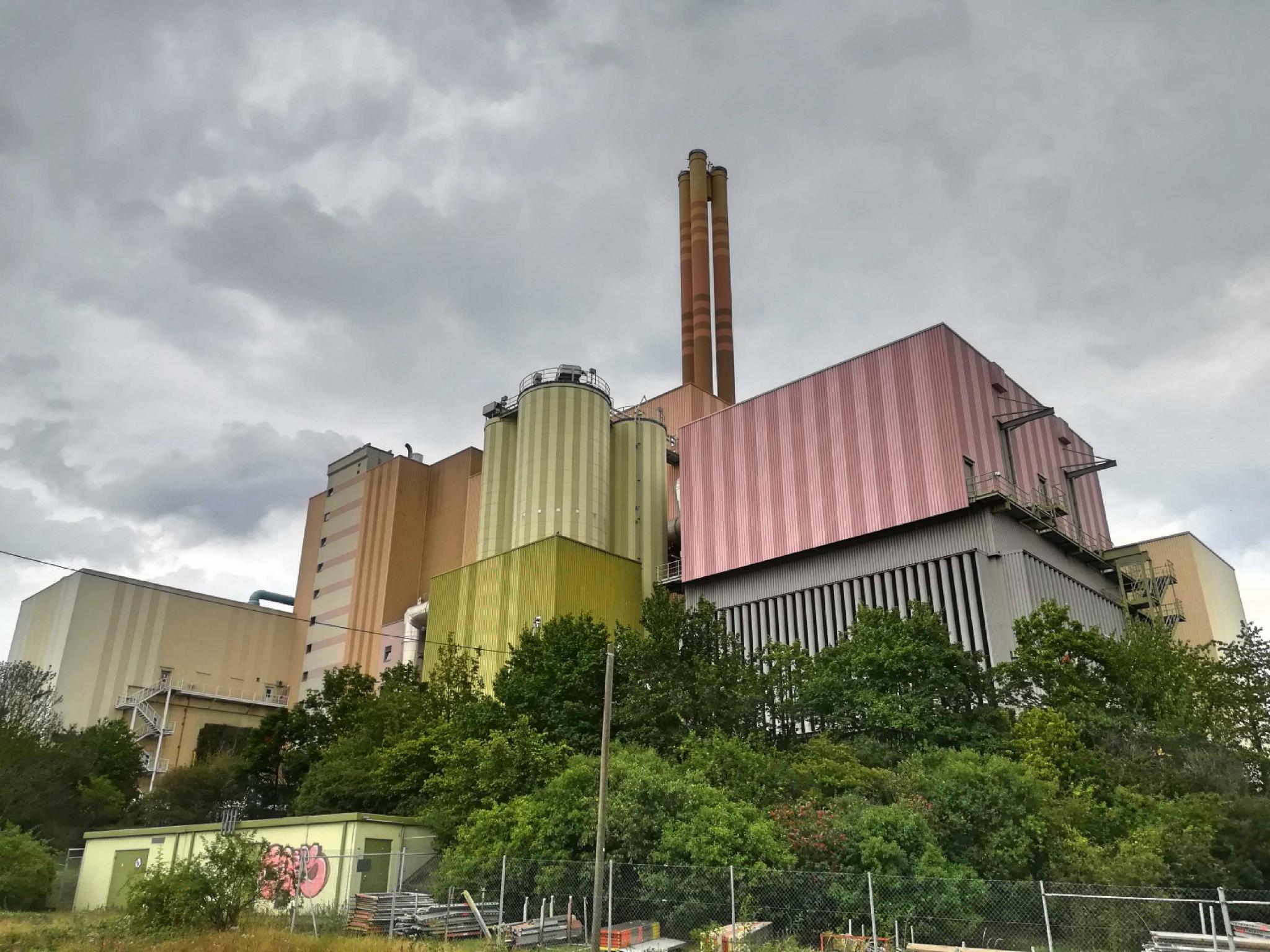 Das Müllheizkraftwerk in der Gattingerstraße. Foto: Jessica Hänse