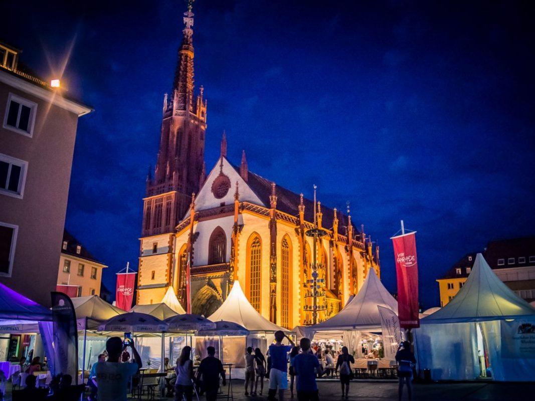 Herrliche Abendstimmung bei der Würzburger Weinparade. Foto: Pascal Höfig