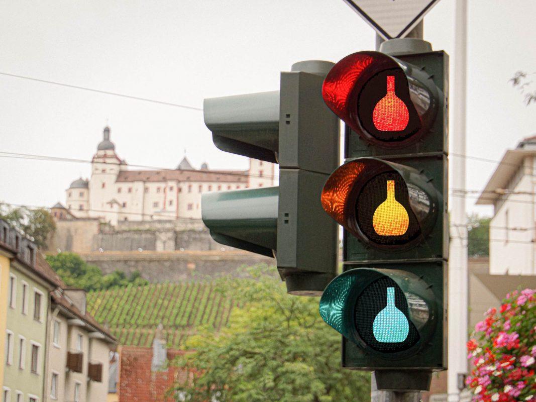 Braucht Würzburg eine Boxbeutel-Ampel? Fotomontage: Dominik Ziegler