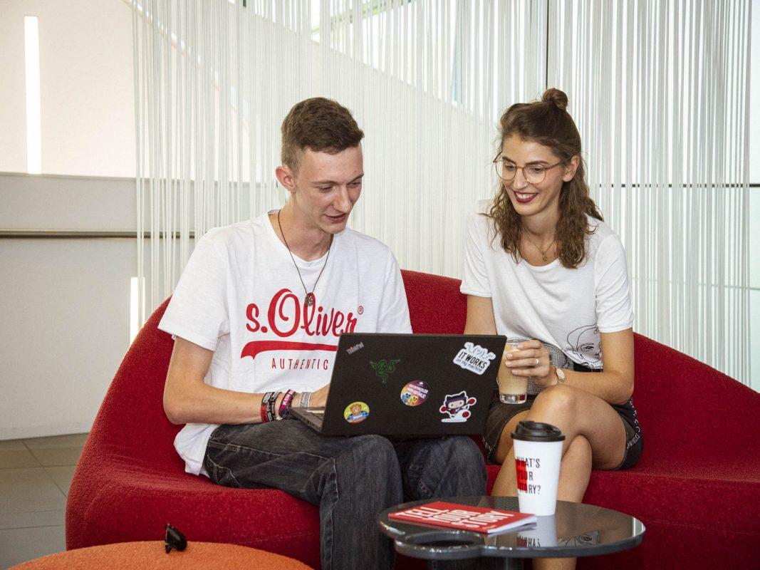 s.Oliver ermöglicht vielfältige Wege in die Modebranche. Foto: Dominik Ziegler
