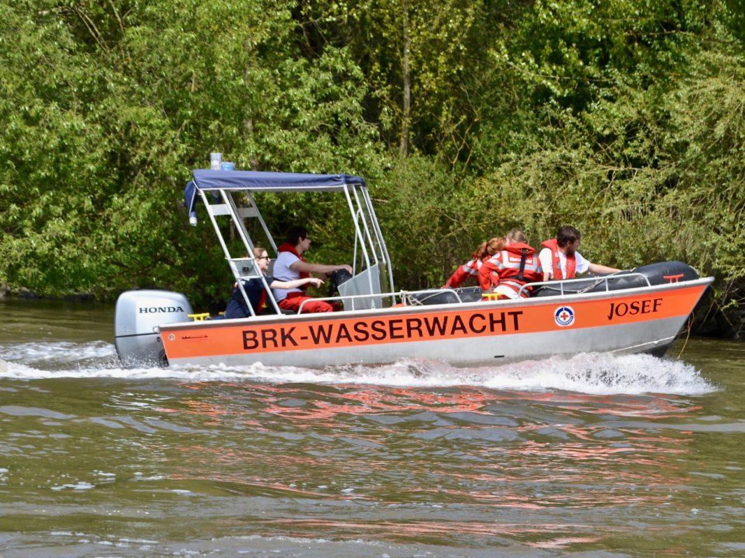 Rettungsboot der BRK-Wasserwacht auf dem Main. Foto: Doku-Team BRK Würzburg