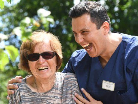 Senioren und Patienten stets den Tag verschönern! Foto: Daniel Peter.