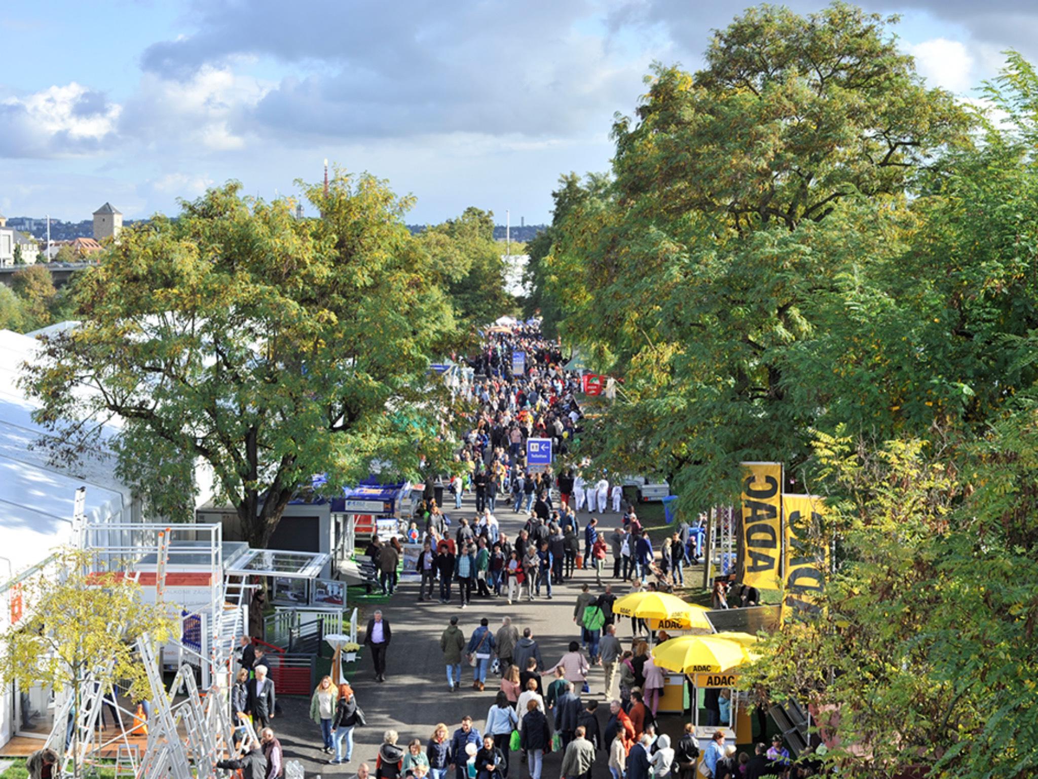 Seit 1950 alle zwei Jahre in Würzburg: Die Mainfranken-Messe am Mainufer. Foto: Mainfranken-Messe