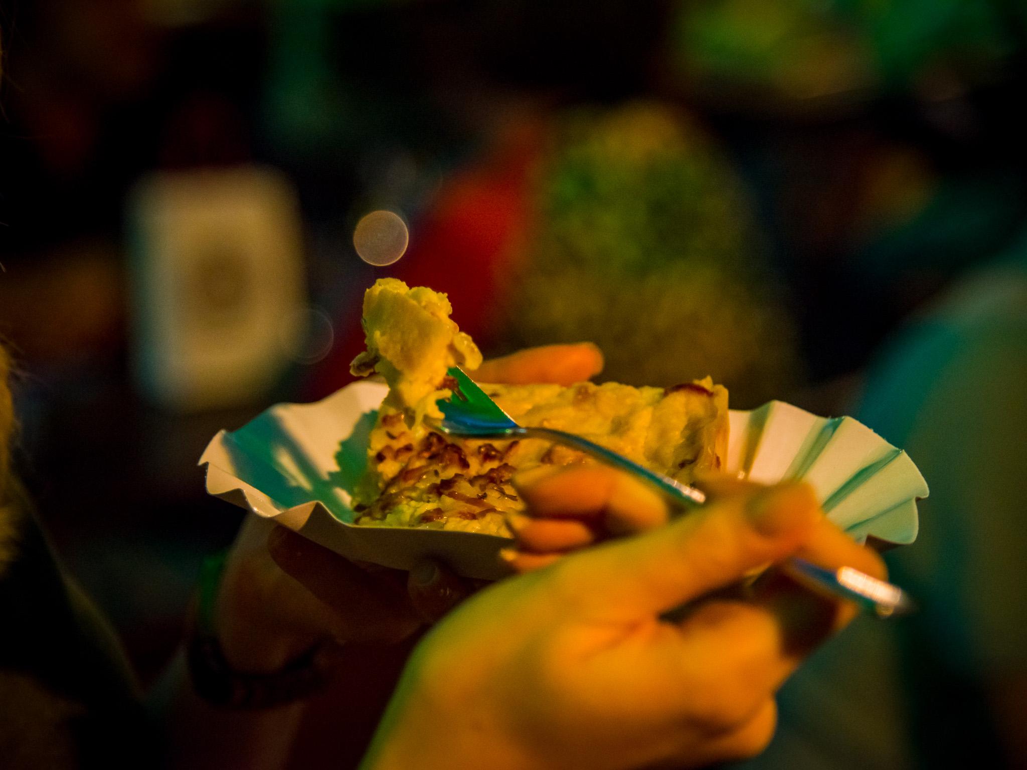Zum Federweißer darf der Zwiebelkuchen natürlich nicht fehlen. Foto: Pascal Höfig
