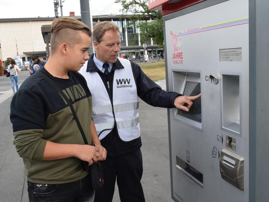 WVV-Mobilitätsberater informieren zu Schulbeginn. Foto: Jürgen Dornberge
