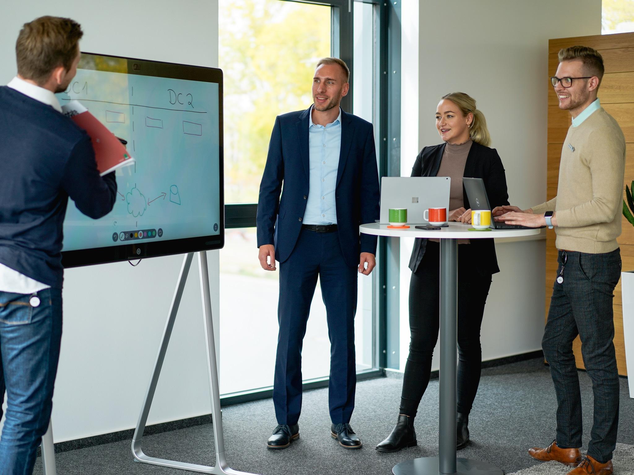 """Alles rund um das Thema """"digitale Zukunft"""" erfahren – beim IT Solution Day der Firma Bechtle. Foto: Konstantin Winter"""