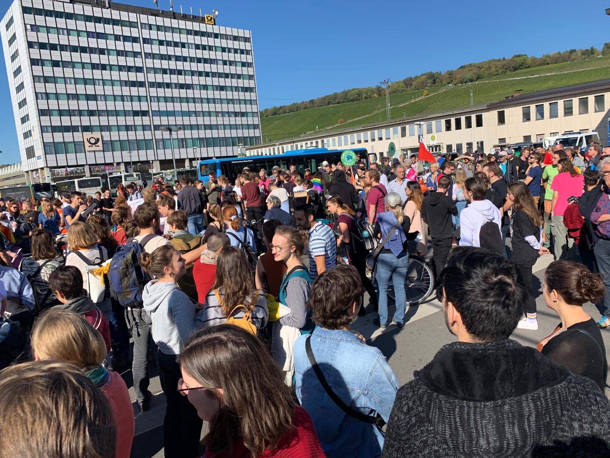 Ordnungsgemäßer Start am Bahnhof. Foto: Pascal Höfig
