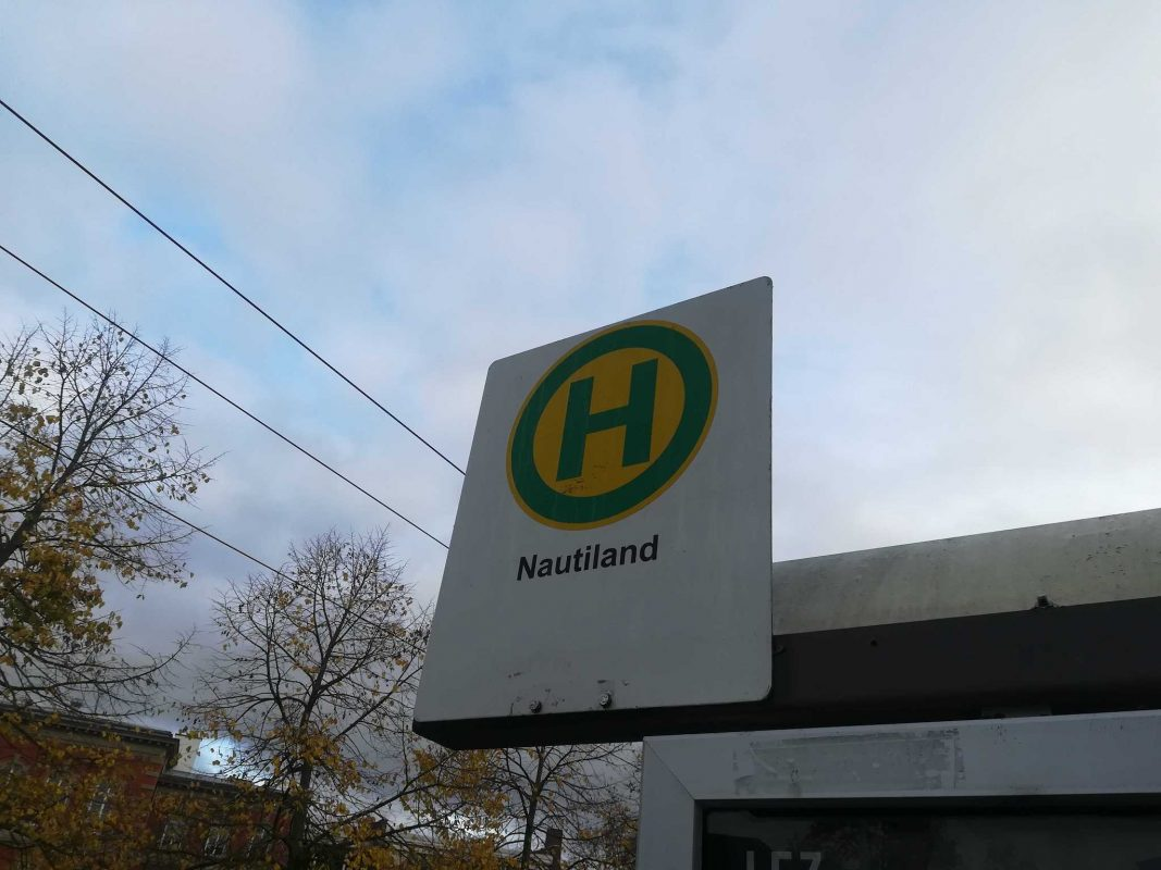 Aus Haltestelle Neunerplatz wird Nautiland. Foto: Jessica Hänse