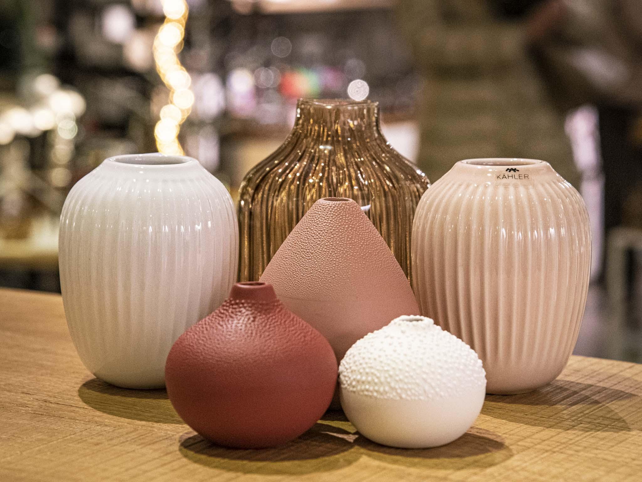 Vase als Geschenkidee unter 30 Euro. Foto: Einrichten Design.