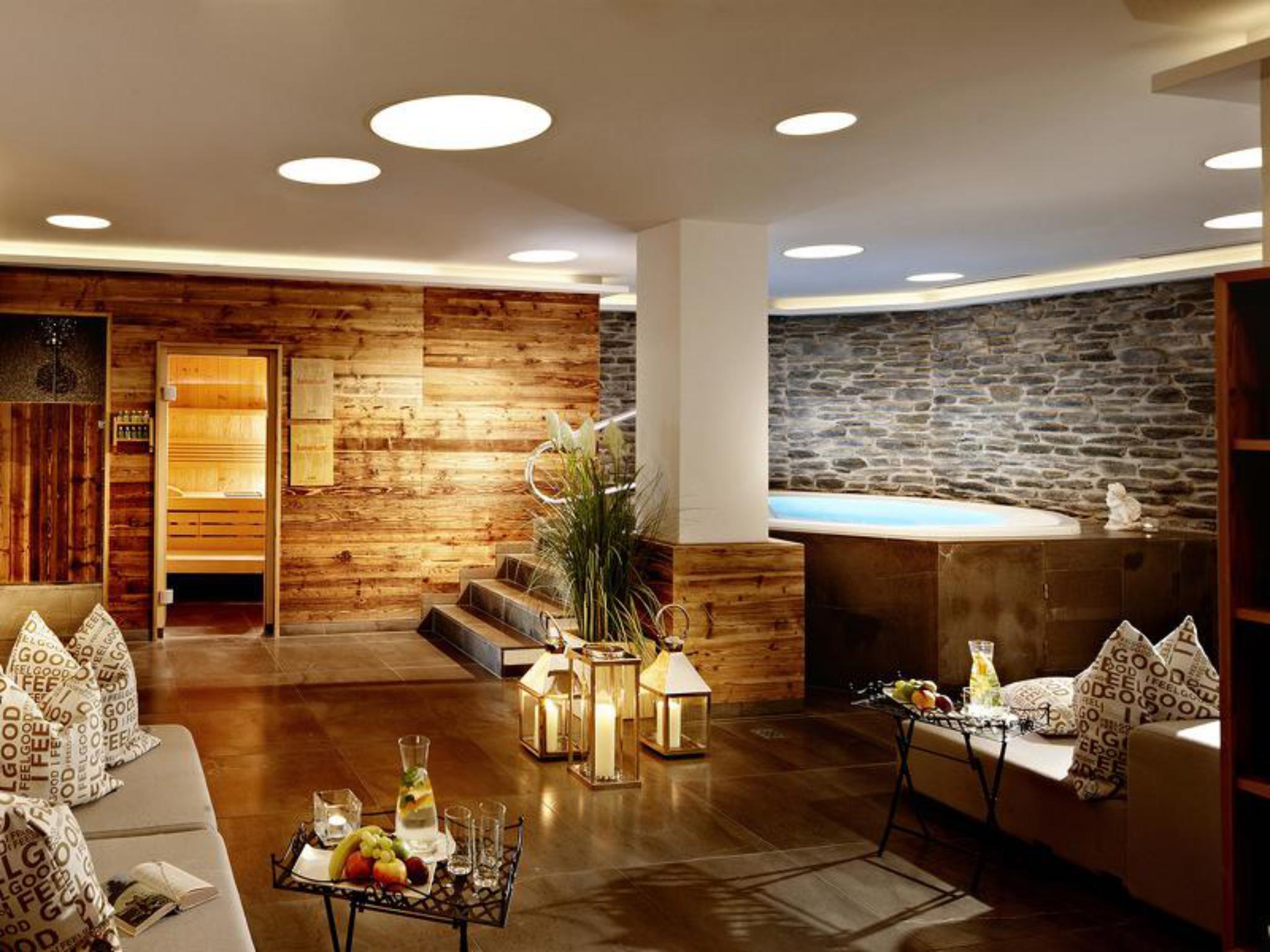 Gemütlich entspannen bei einem Saunagang mit anschließendem Bad! Foto: Großarler Hof