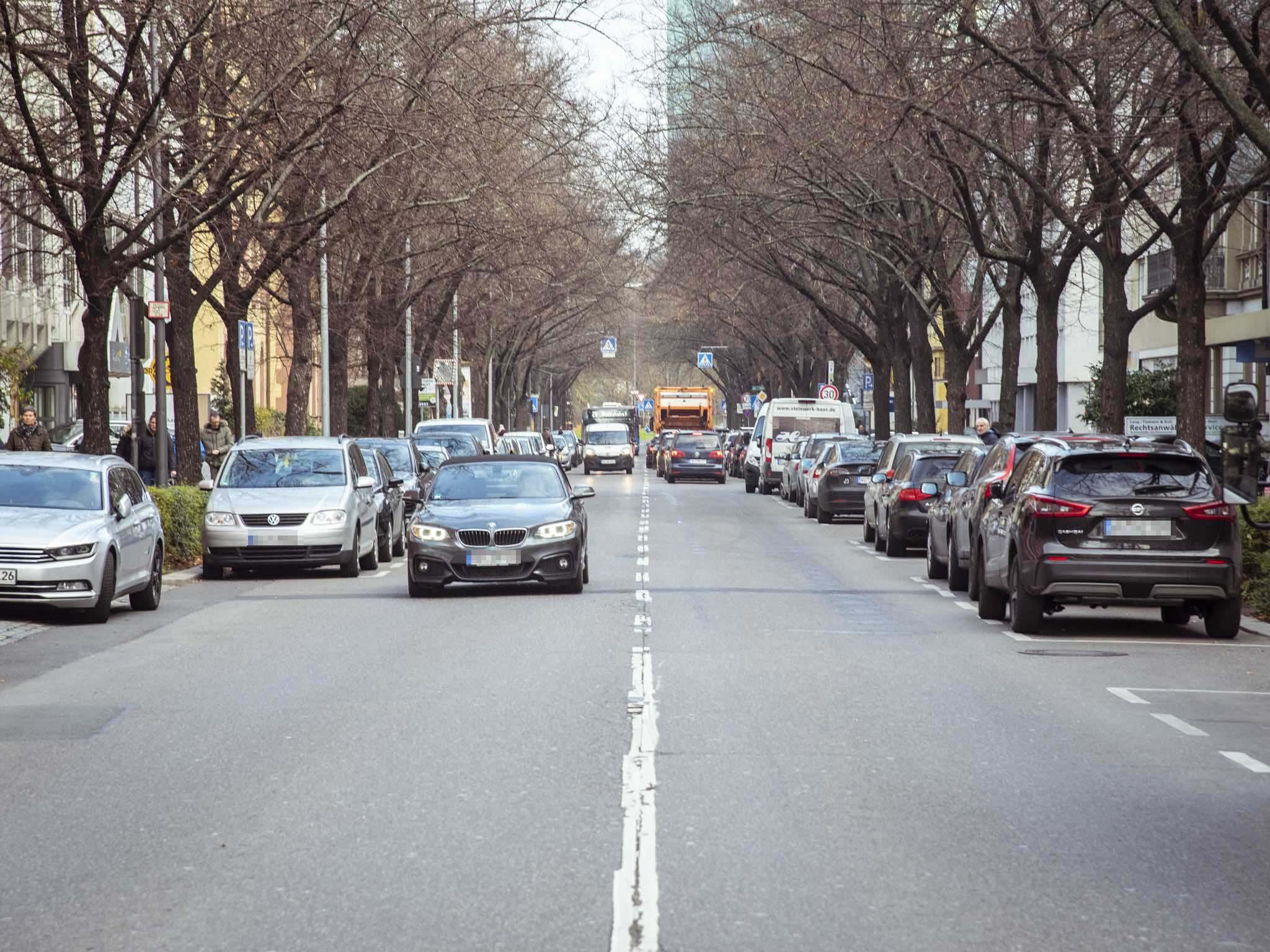 Mit der Busspur entfallen die Parkplätze in der Ludwigstraße. Foto