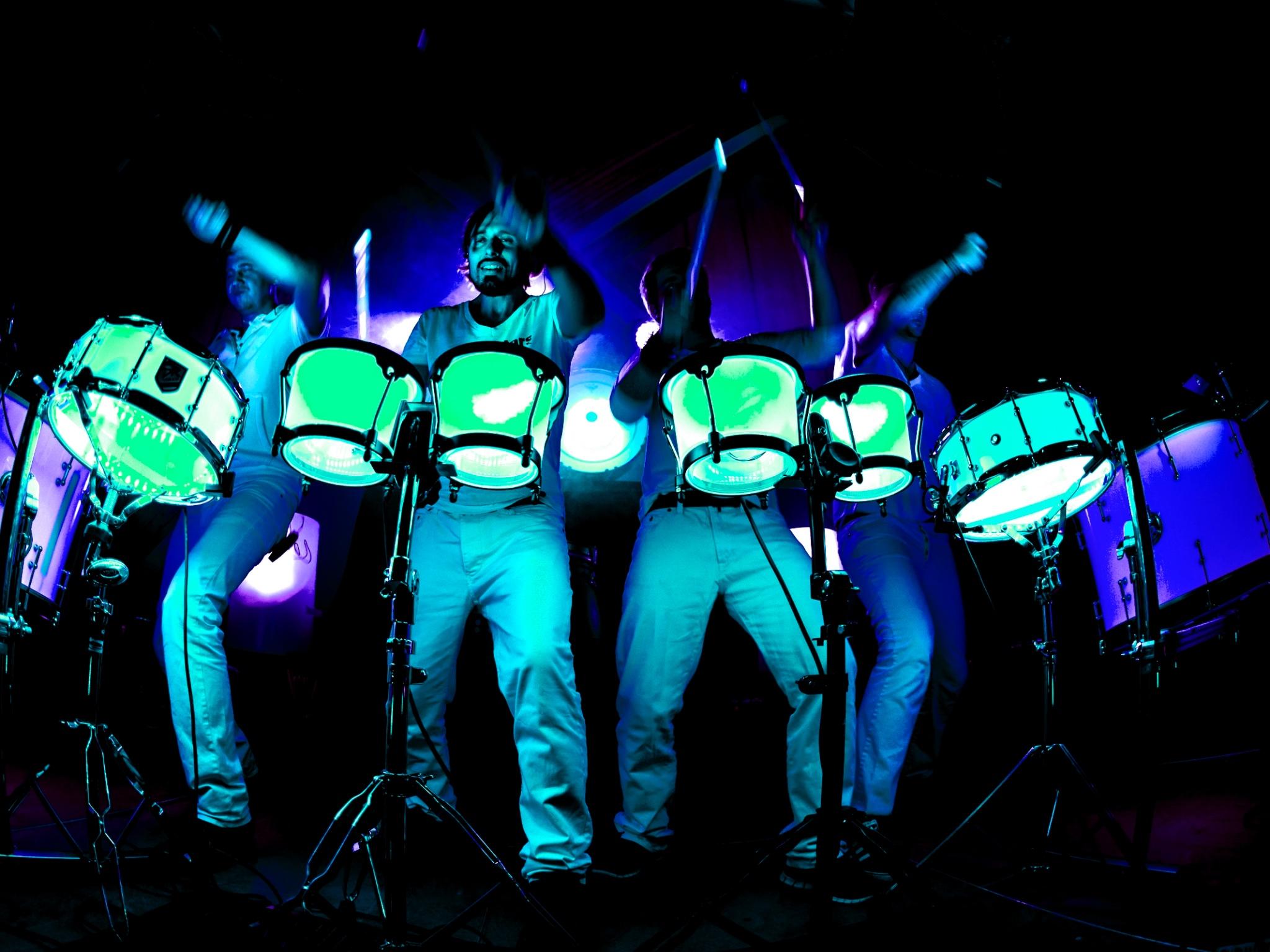 Drum-Stars bei ihrem spektakulären Auftritt. Foto: Daniel Sommer