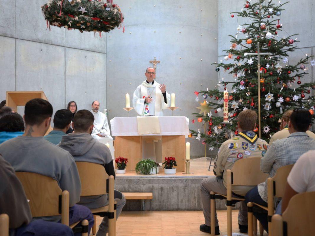 """""""Weihnachten ist ein Fest der Hoffnung"""", betonte Bischof Dr. Franz Jung in seiner Predigt. Foto: Markus Hauck/POW"""