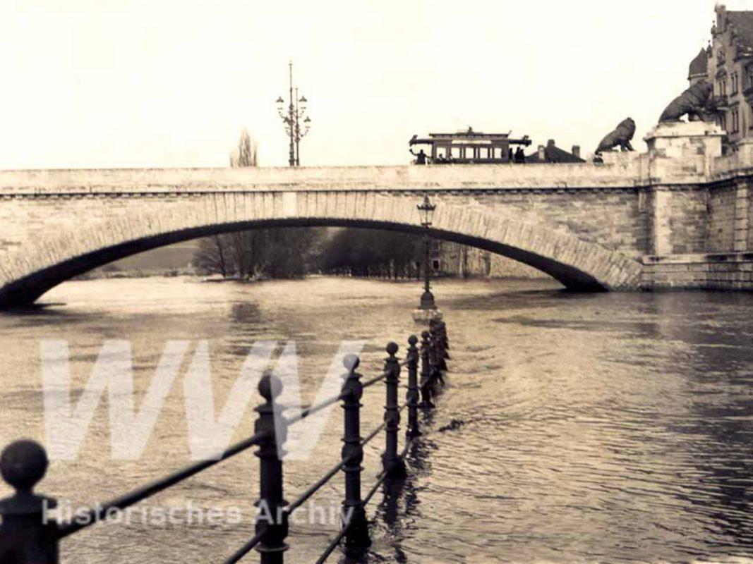 Löwenbrücke im Jahr 1909. Foto: Historisches Archiv der WVV