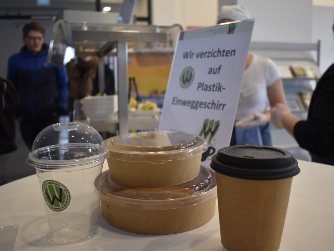 Das Studentenwerk Würzburg setzt auf biologisch abbaubare Materialien. Foto: Studentenwerk Würzburg/Andrea Bala und Tanja Scheller