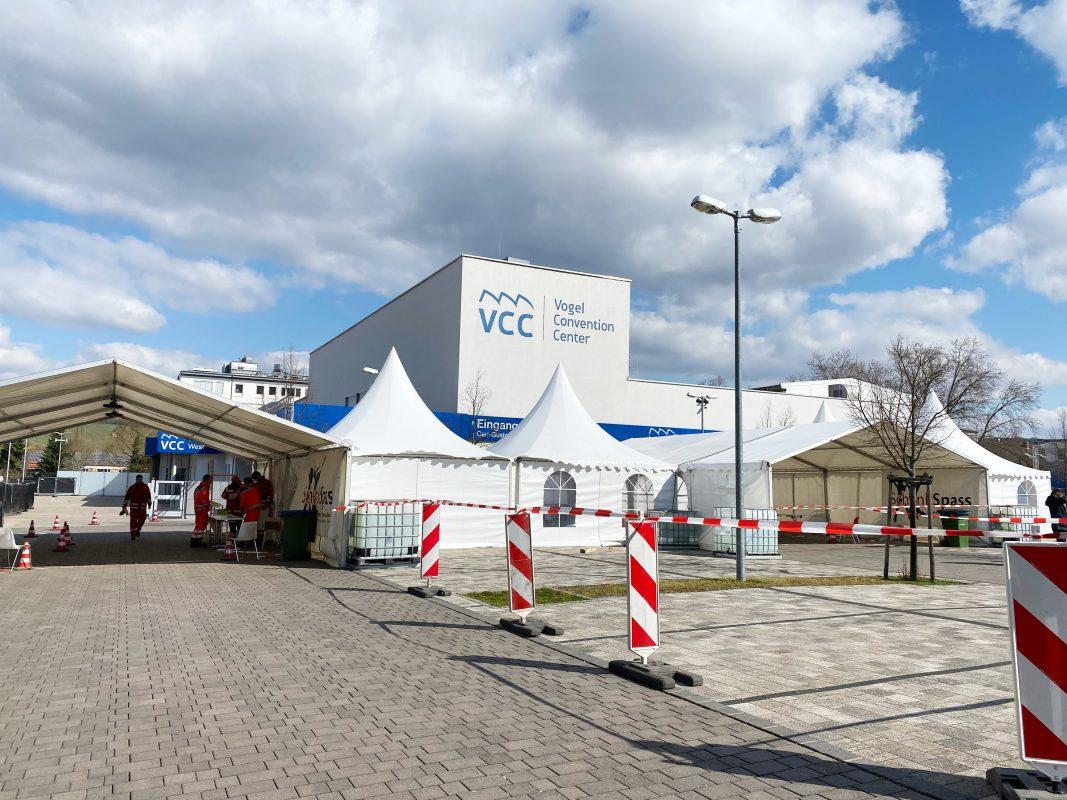 Auch in Würzburg gibt es nun eine Corona-Teststrecke. Foto: Jessica Hänse
