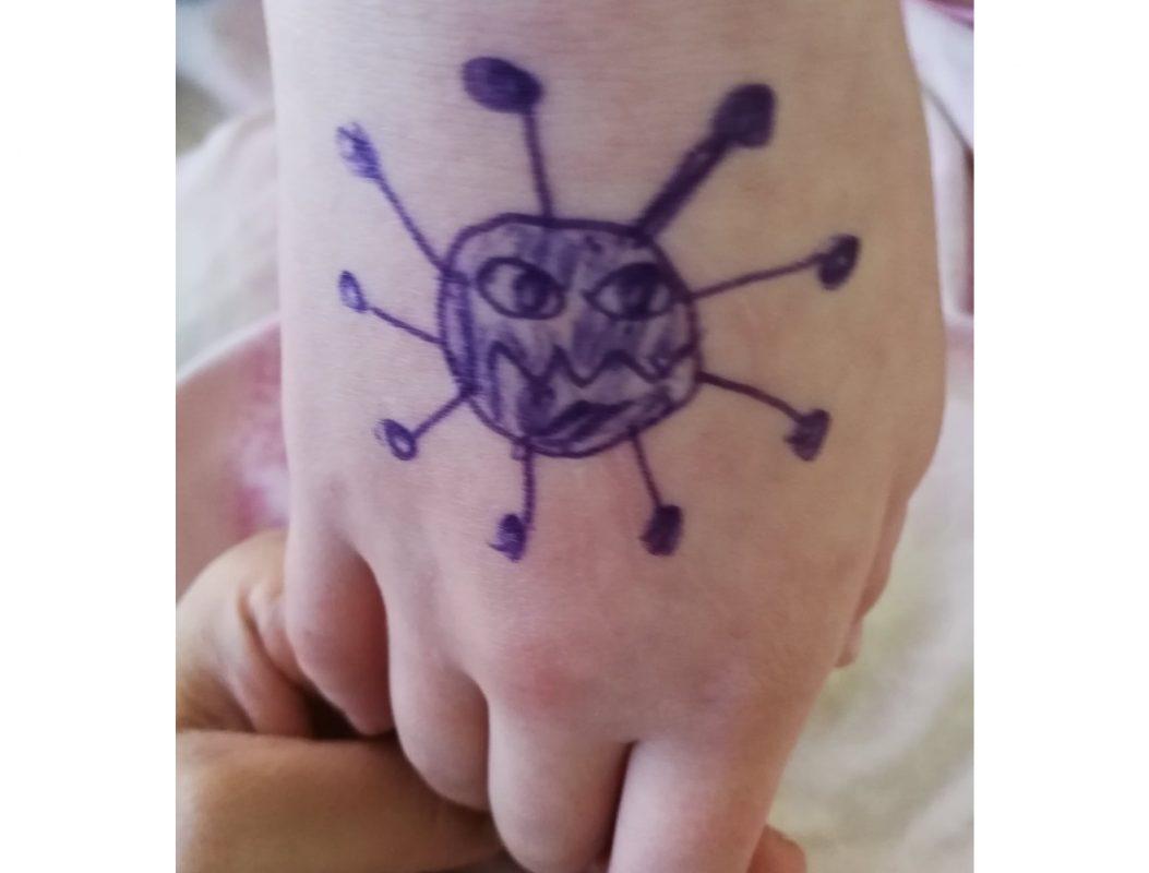 """Händewaschen """"bis der Virus weg ist"""". Foto: Bernanda Zander"""