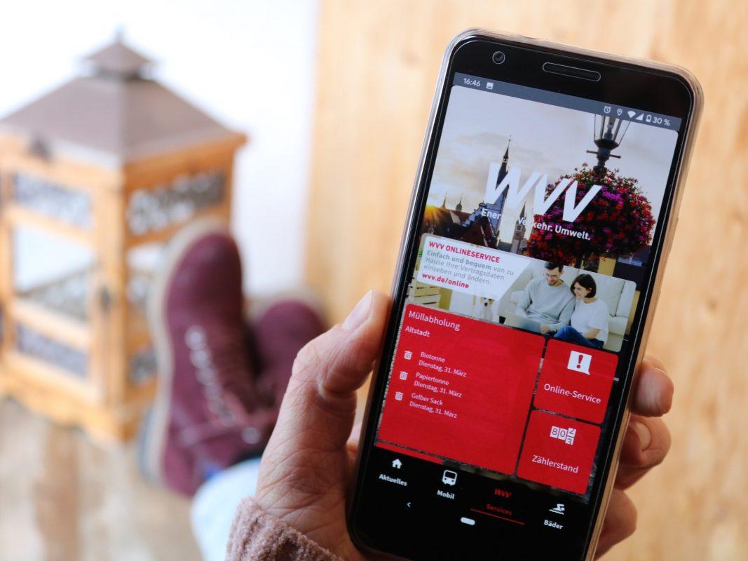 Der Online-Service der WVV auf dem Handy. Foto: Verena Hadraschek