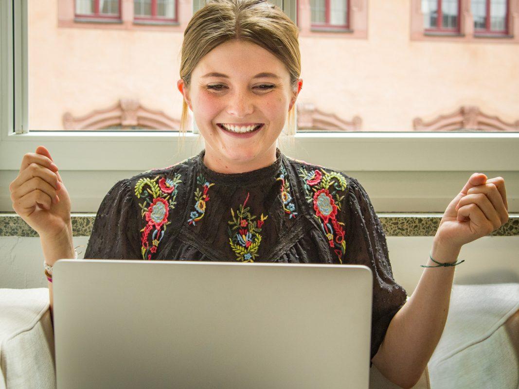 """Mit dem Onlineportal """"Meine AOK"""" kann man ganz bequem von zuhause aus seine Angelegenheiten regeln. Foto: Pascal Höfig"""