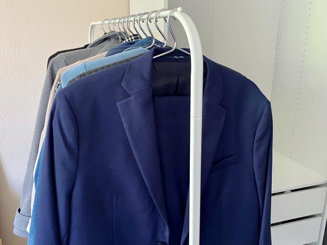 Der Herreanzug: Heutzutage in vielen Branchen als Geschäftskleidung nicht mehr wegzudenken. Symbolbild: Jessica Hänse