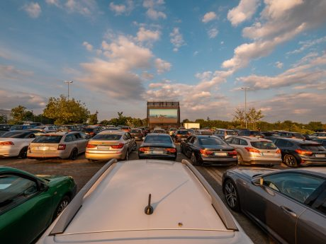 Autokino Cineworld im Mainfrankenpark: Foto: Lukas Seufert
