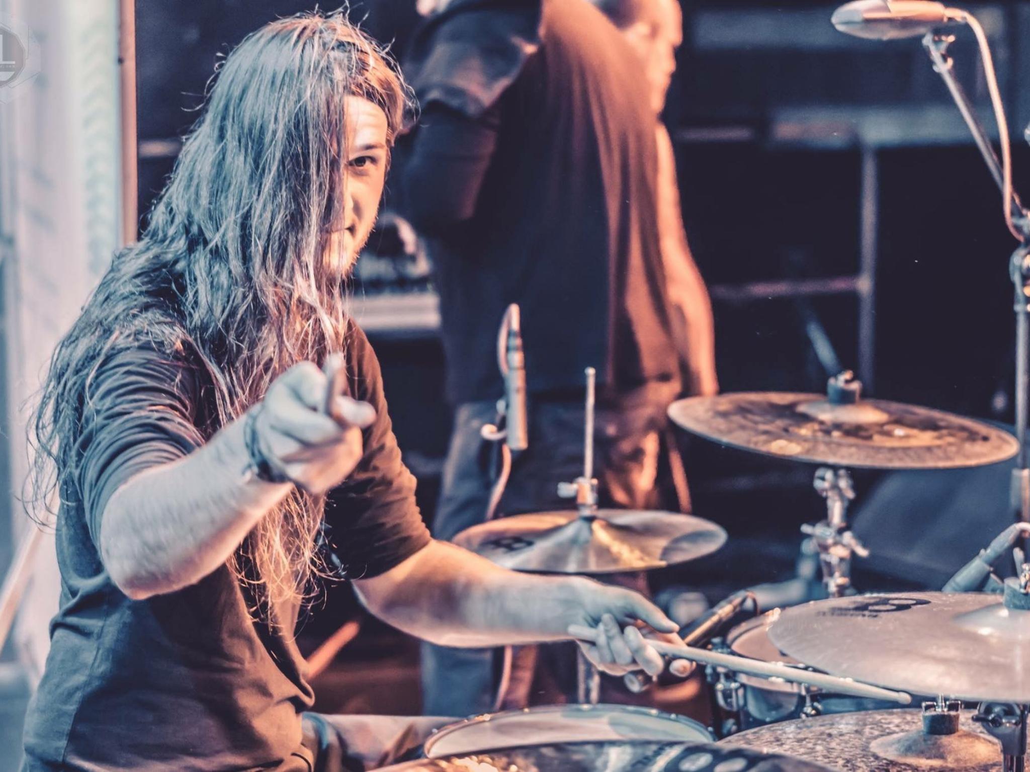 Heavysaurus Schlagzeuger Philipp Klinger aus Volkach. Foto: Sebastian Schmidt