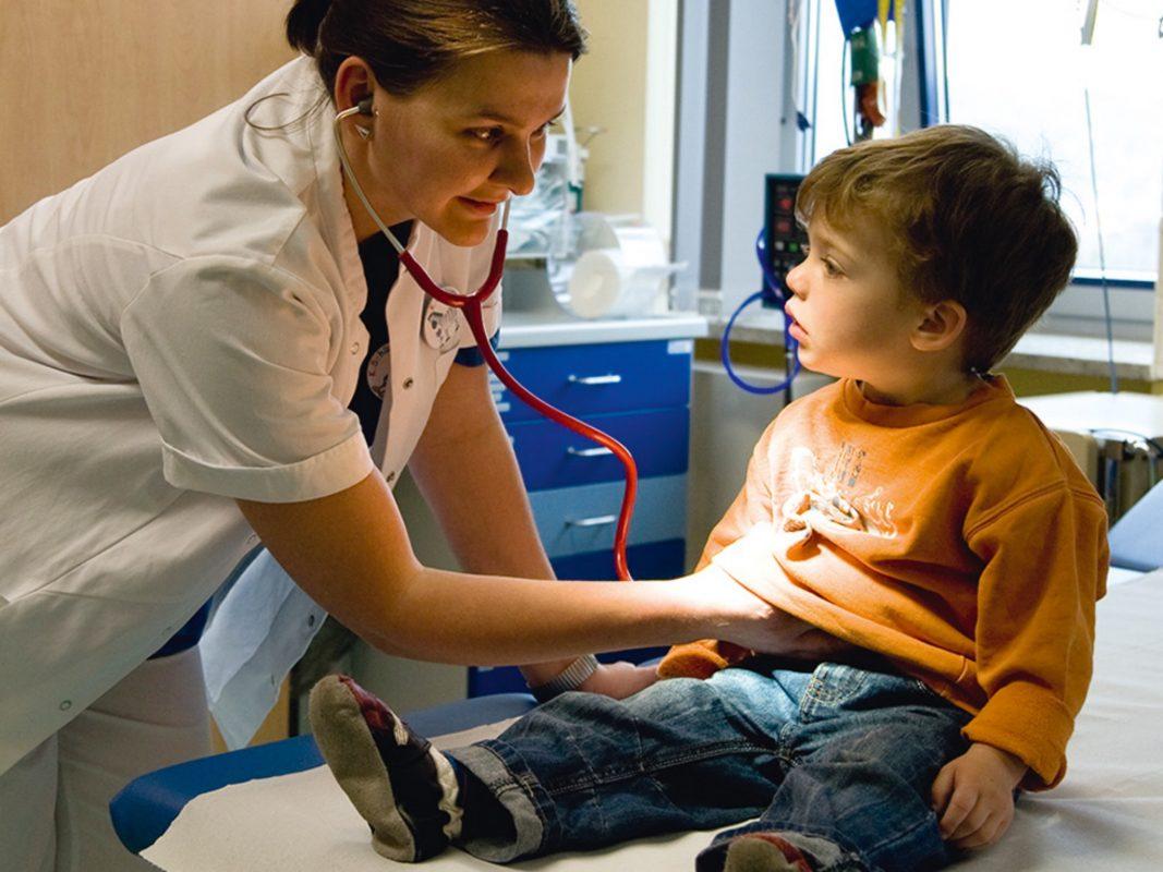 Kinder können nur in Kinderkliniken altersgerecht und mit Einbindung der Familie medizinisch kompetent versorgt werden. Foto: Klinikum Würzburg Mitte