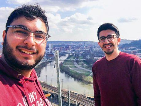 """(von li.) Osama Albernawi, Maschinenbau, und Basel Asideh, Soziale Arbeit, haben die Initiative """"Jibbern"""" 2020 gegründet. Bild: Basel Asideh."""