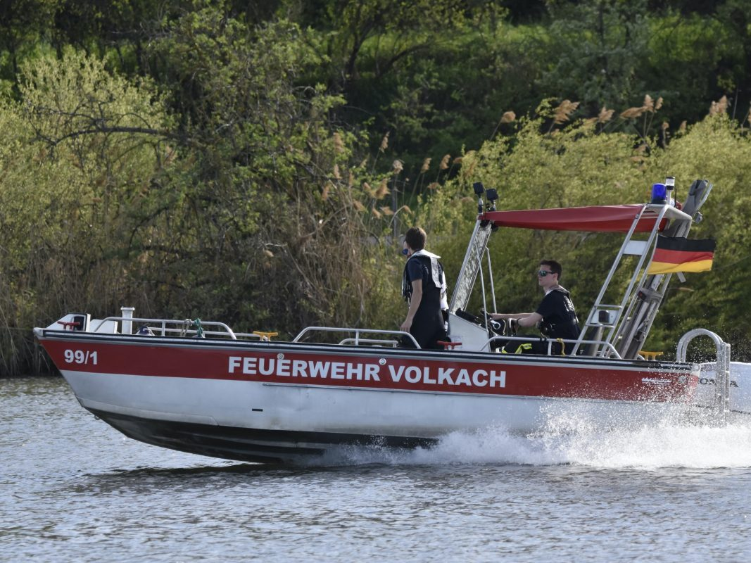 Die Feuerwehr beim Einsatz. Foto: Feuerwehr Stadt Volkach