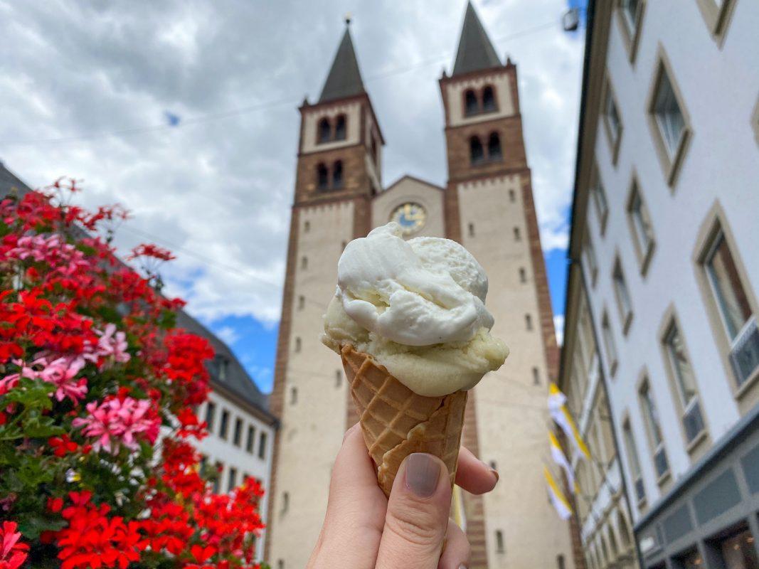 Eis in Würzburg. Foto: Jessica Hänse