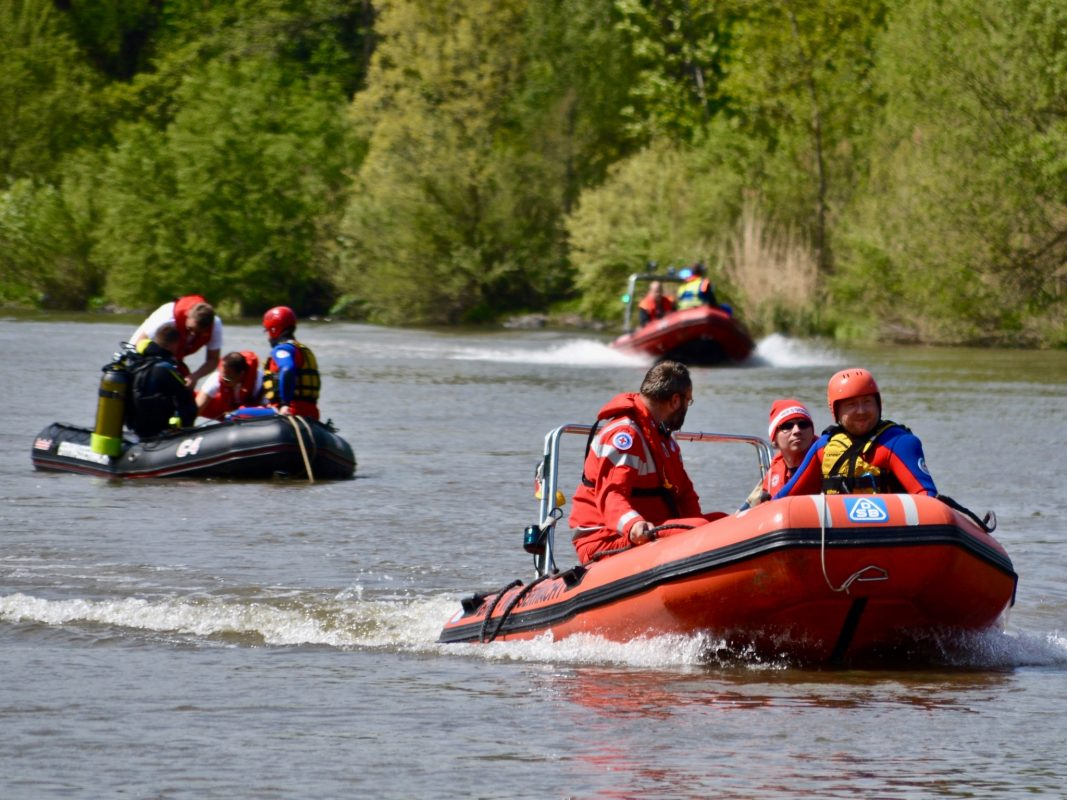Wasserwacht-Boote auf dem Main: In diesem Sommer besonders häufig im Einsatz. Symbolbild: BRK-Wasserwacht