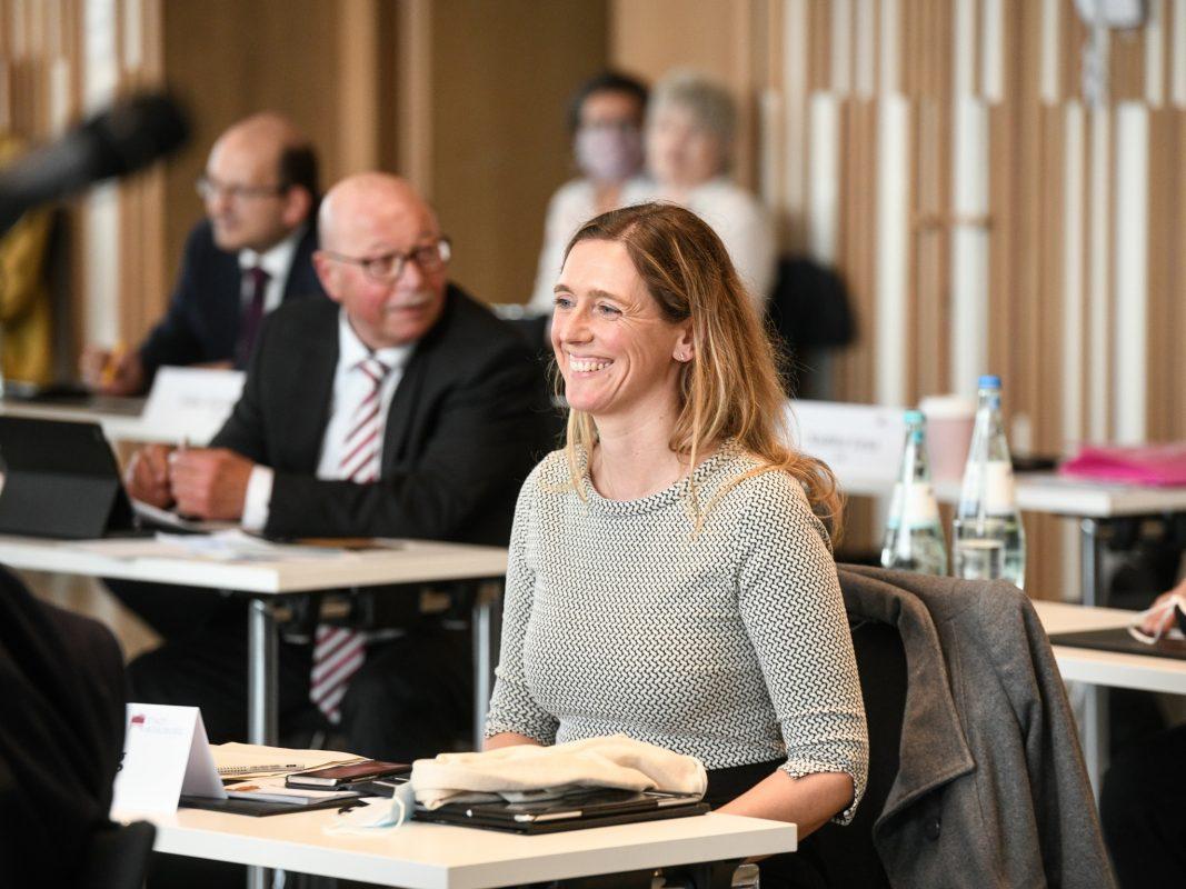 Nach der Wahl zur dritten Bürgermeisterin: Judith Jörg am 4. Mai in der konstituierenden Sitzung des neuen Würzburger Stadtrats. Foto: Thomas Obermeier