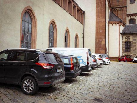 Parkplätze am Paradeplatz. Foto: Dominik Ziegler