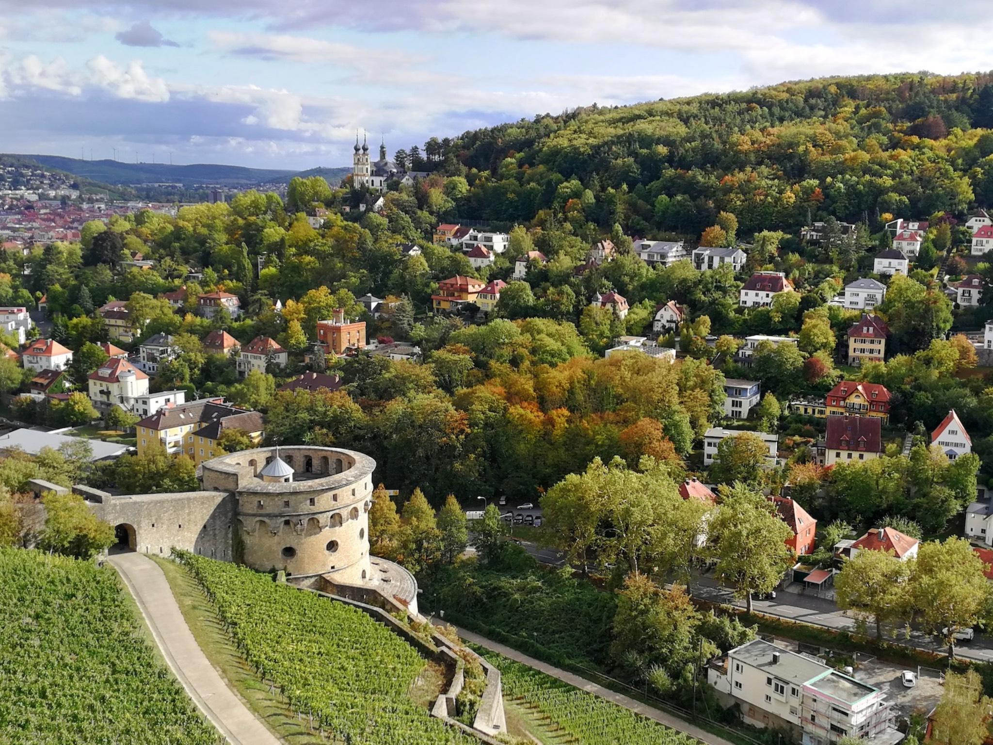 Maschikuliturm und Käppele. Foto: Würzburg erleben