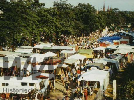 In Würzburg gibt es im Sommer viele Veranstaltungen. Archiv: Historisches Archiv der WVV.