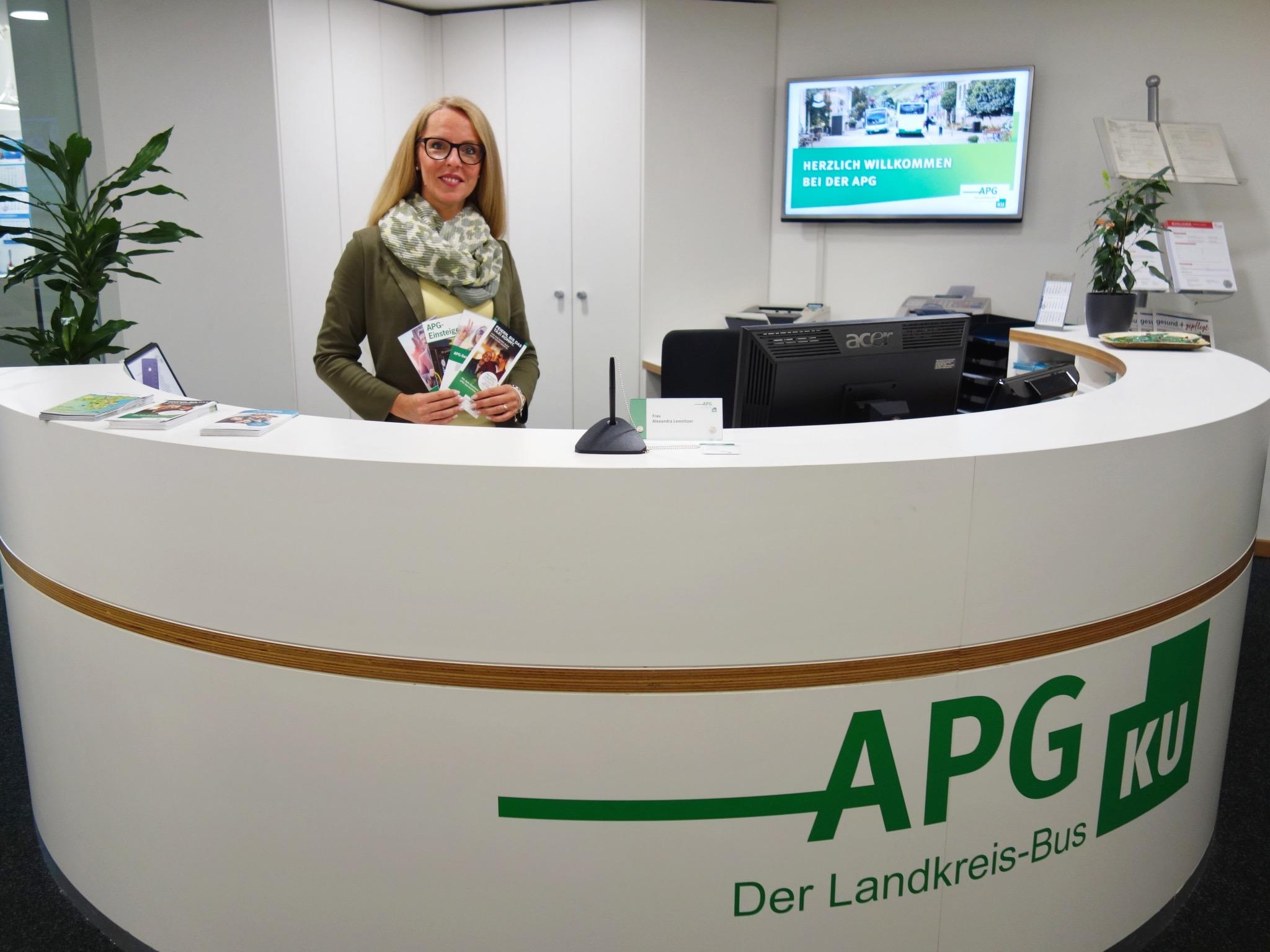 ÖPNV-Beratung & Ticketverkauf aus einer Hand im neuen Beratungscenter der APG. Foto: Kommunalunternehmen des Landkreises Würzburg