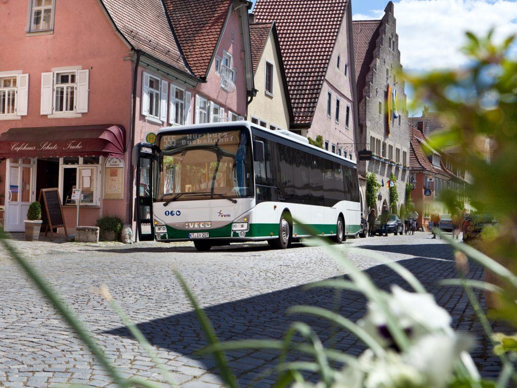 Im neuen Beratungscenter der APG bekommt man Infos zum Fahrkartensortiment & zur individuellen Reiseplanung. Foto: Kommunalunternehmen des Landkreises Würzburg