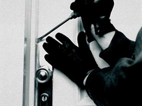 Einbrecher am Werk: Unbekannte Täter machten große Beute. Symbolbild: Pascal Höfig
