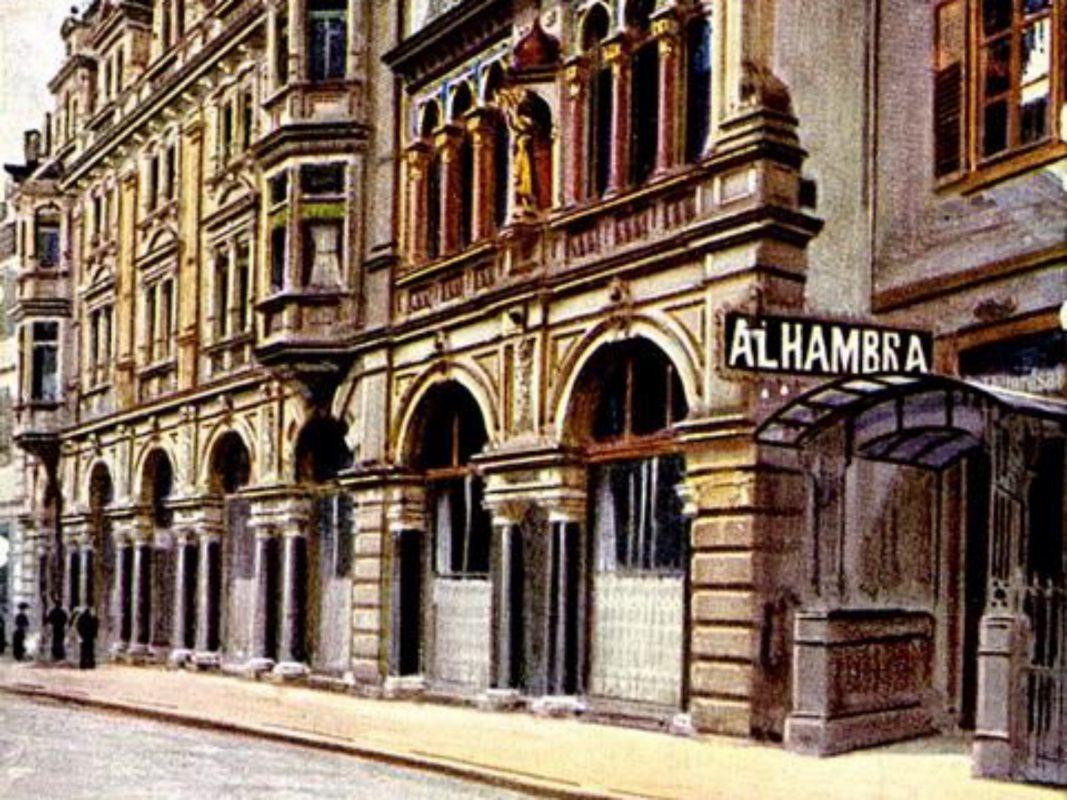 Außenansicht des Cafe-Restaurants Alhambra. Archiv: Willi Dürrnagel.