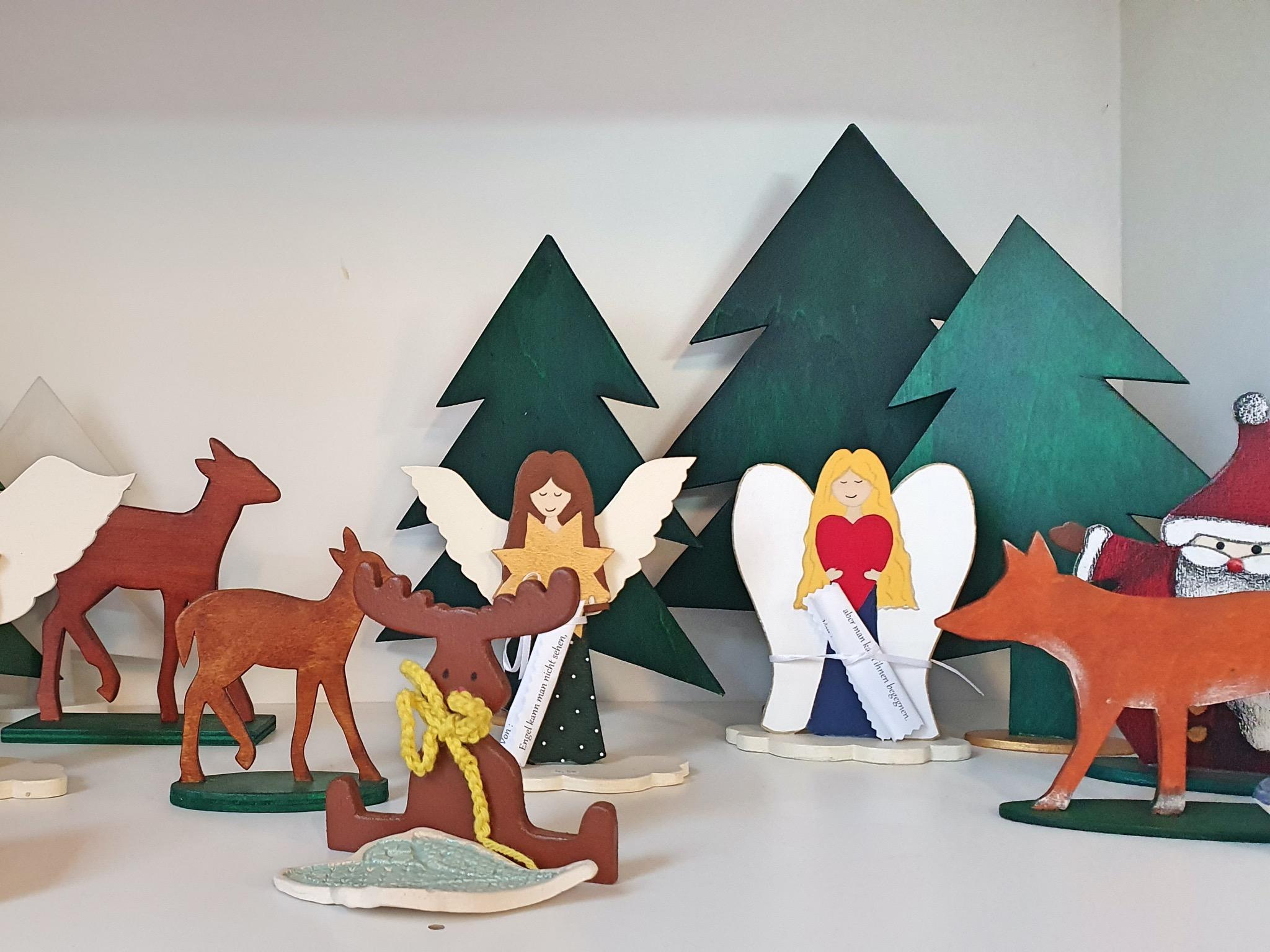 Schöne weihnachtliche Handarbeiten aus der kreativen Holzwerkstatt – jetzt auch per Post! Foto: Theresa Hägler
