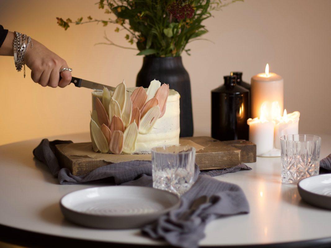 Lea backt außergewöhnliche Torten für besondere Anlässe. Foto: Lea Liegau