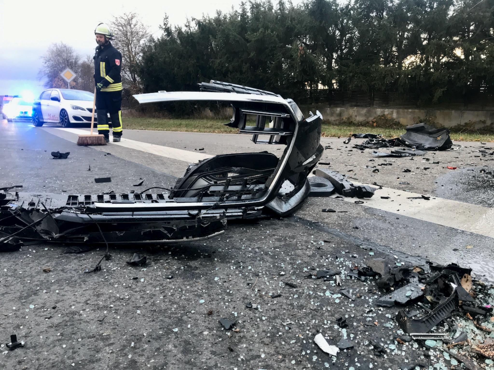 Ein Verkehrsunfall forderte drei Verletzte. Foto: Moritz Hornung, Feuerwehr Volkach