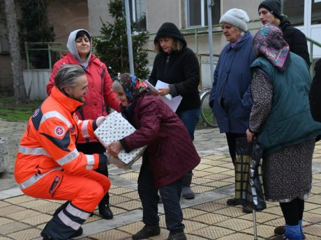 Auch in Corona-Zeiten ist der Weihnachtstrucker der Johanniter unterwegs. Foto: Johanniter-Unfall-Hilfe e. V.