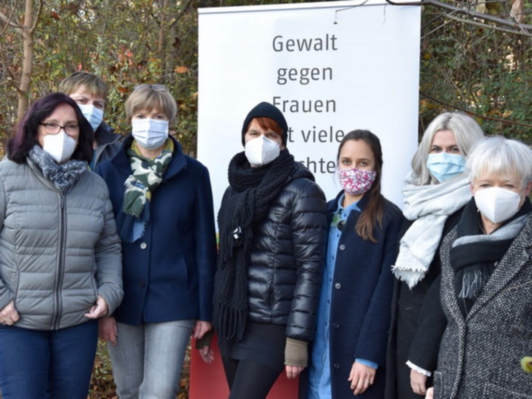 Mitarbeiterinnen des Frauenhauses der AWO Unterfranken. Foto: Stefana Körner