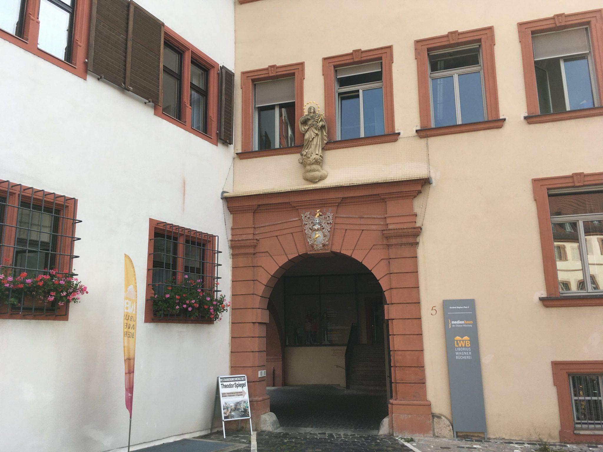 Die Liborius-Wagner-Bücherei des Bistum Würzburg. Foto: Jacob Grimm
