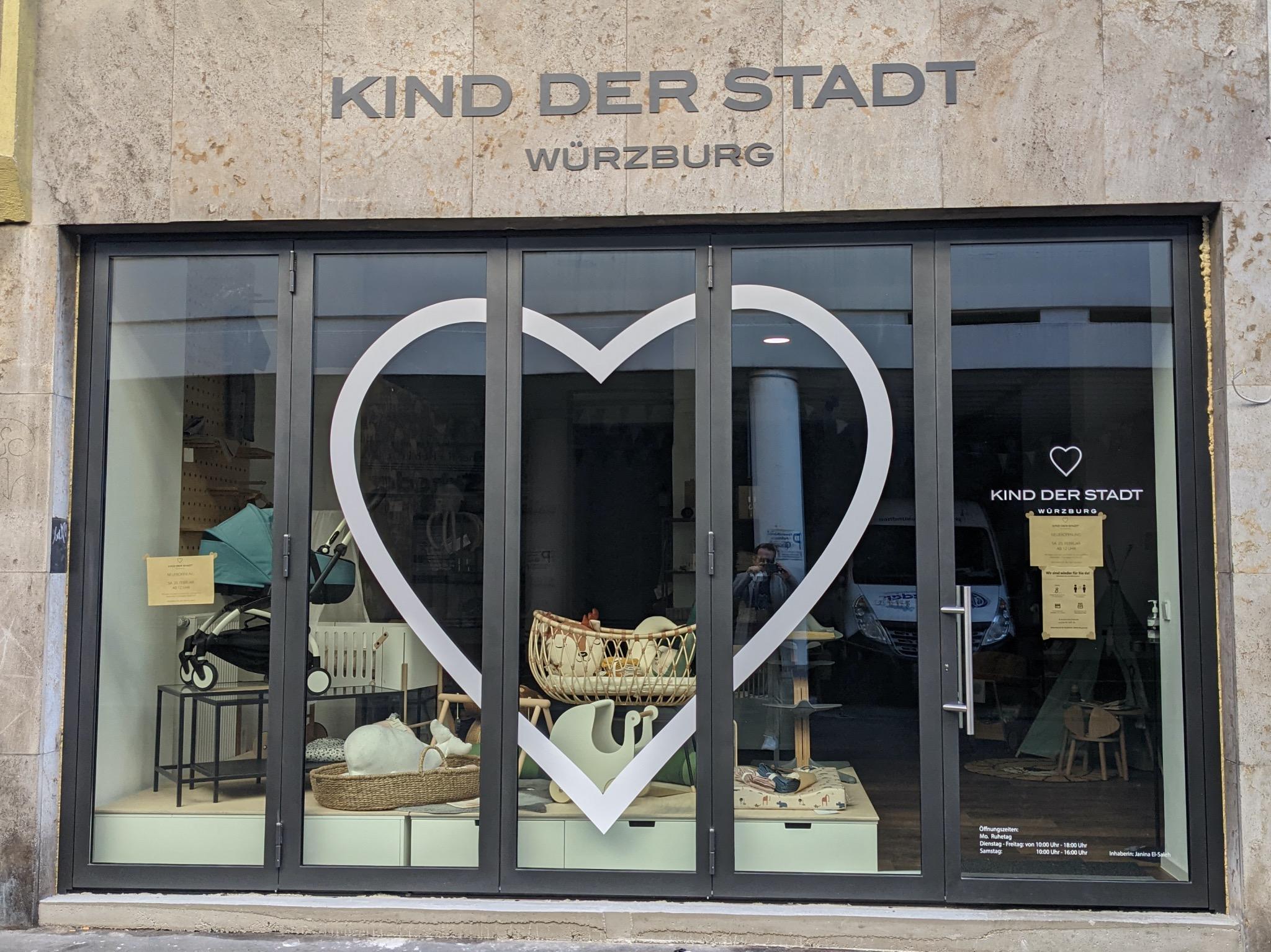 """Babyladen """"Kind der Stadt"""" in der Bronnbachergasse. Foto: Würzburg erleben"""