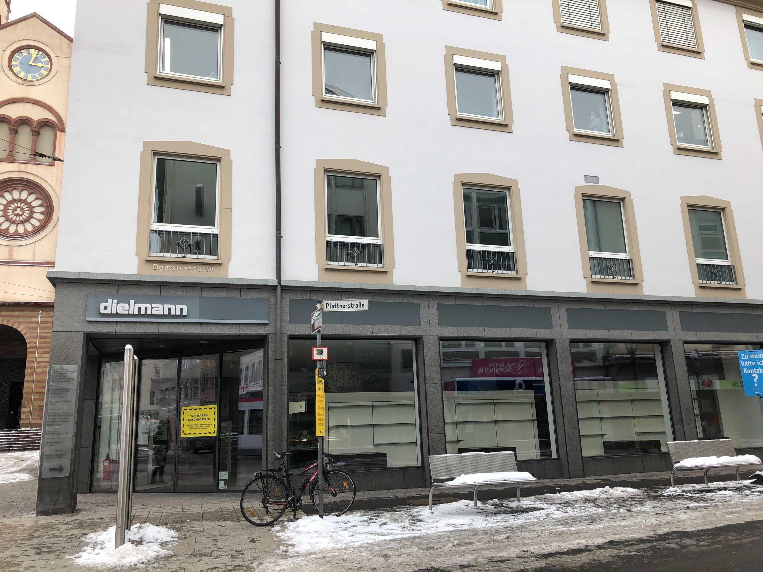 "Das ""Schuhaus dielmann"" am Dom. Foto: Katharina Kraus"