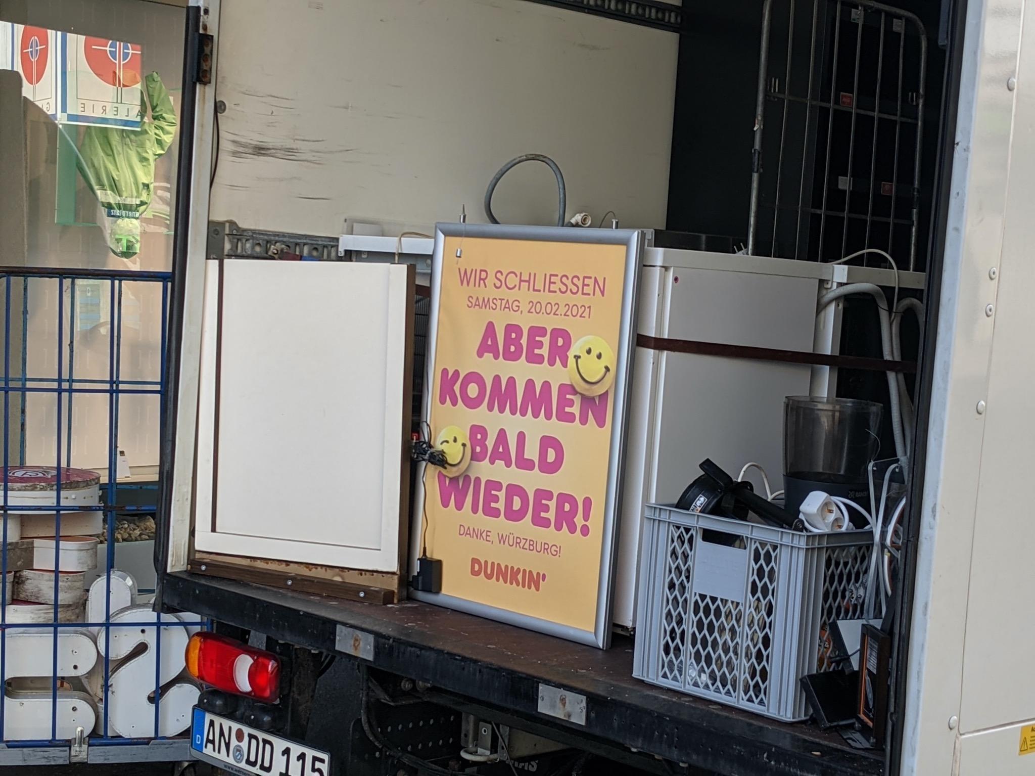Dunkin' Donuts schließt - wohl aber nicht für immer: An einem anderen Standort soll es in Würzburg bald wieder Donuts geben. Foto: Christian J. Papay