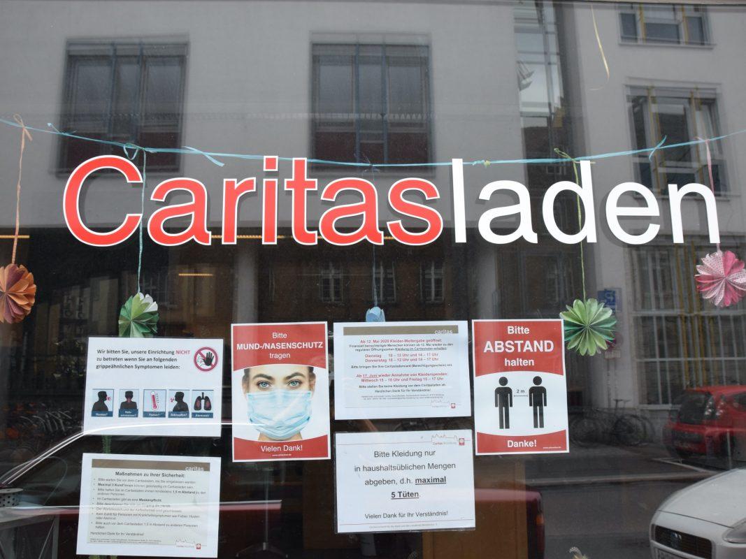 Ab 9. März erhalten finanziell benachteiligte Menschen wieder Kleidung im Caritasladen. Foto: Claudia Jaspers